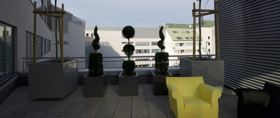 V17 Irodaház, EON Székház – 120Z lamellás fal, zsaluzia és lapfüggöny